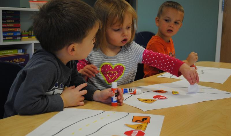 Як діти вчаться жити в дорослому світі