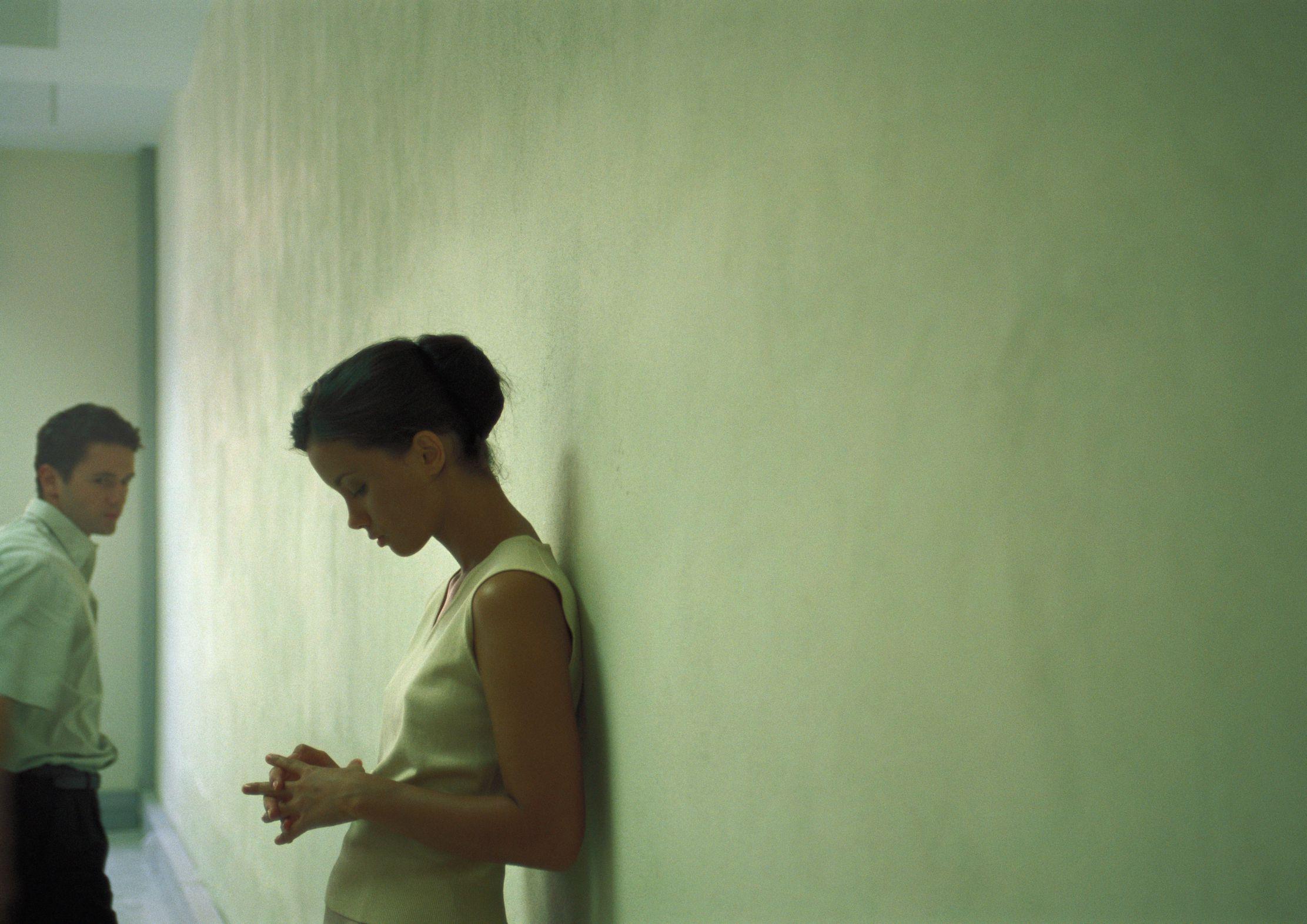 Самотні вдвох: чому в стосунках ми відчуваємо себе нещасними?