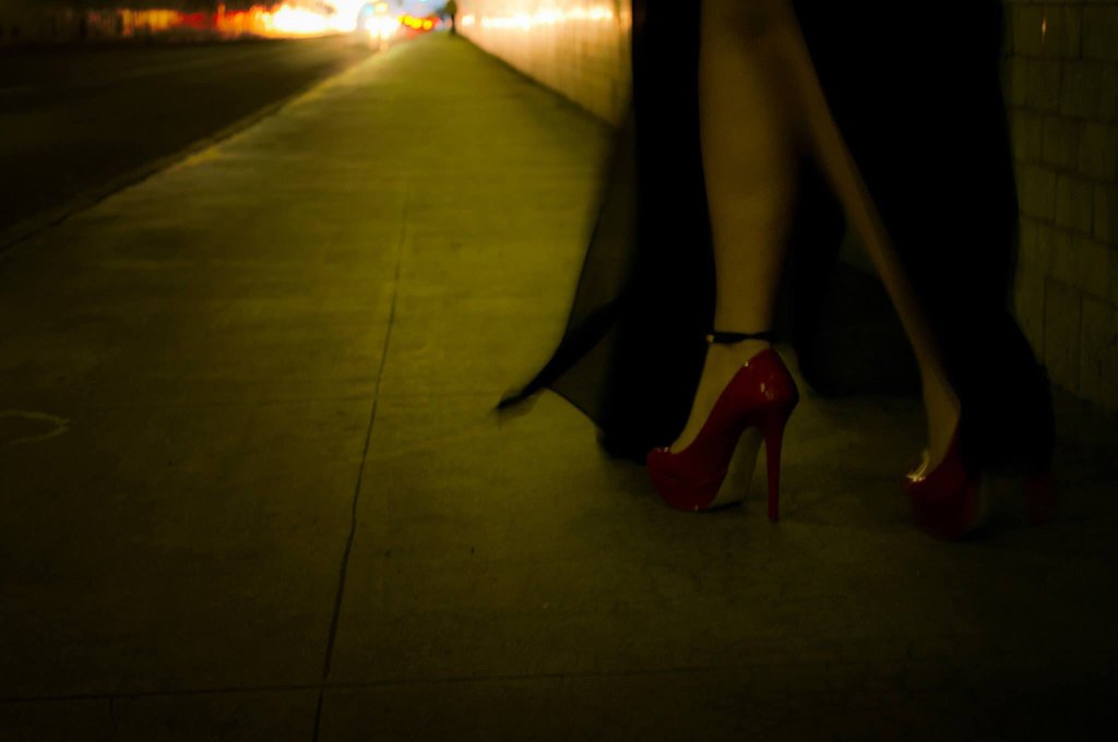 mysterious_woman_by_padilla64-d8silyi.jpg (44.41 Kb)